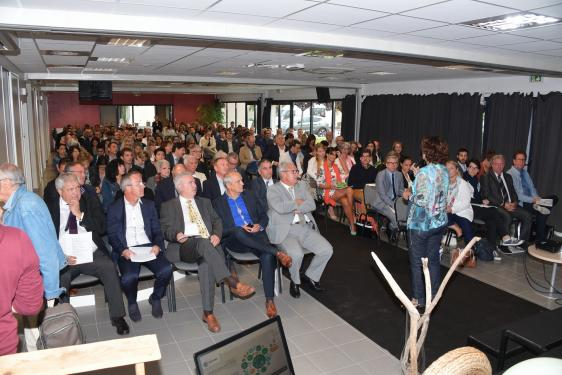 Plus de 200 participants à ce premier colloque